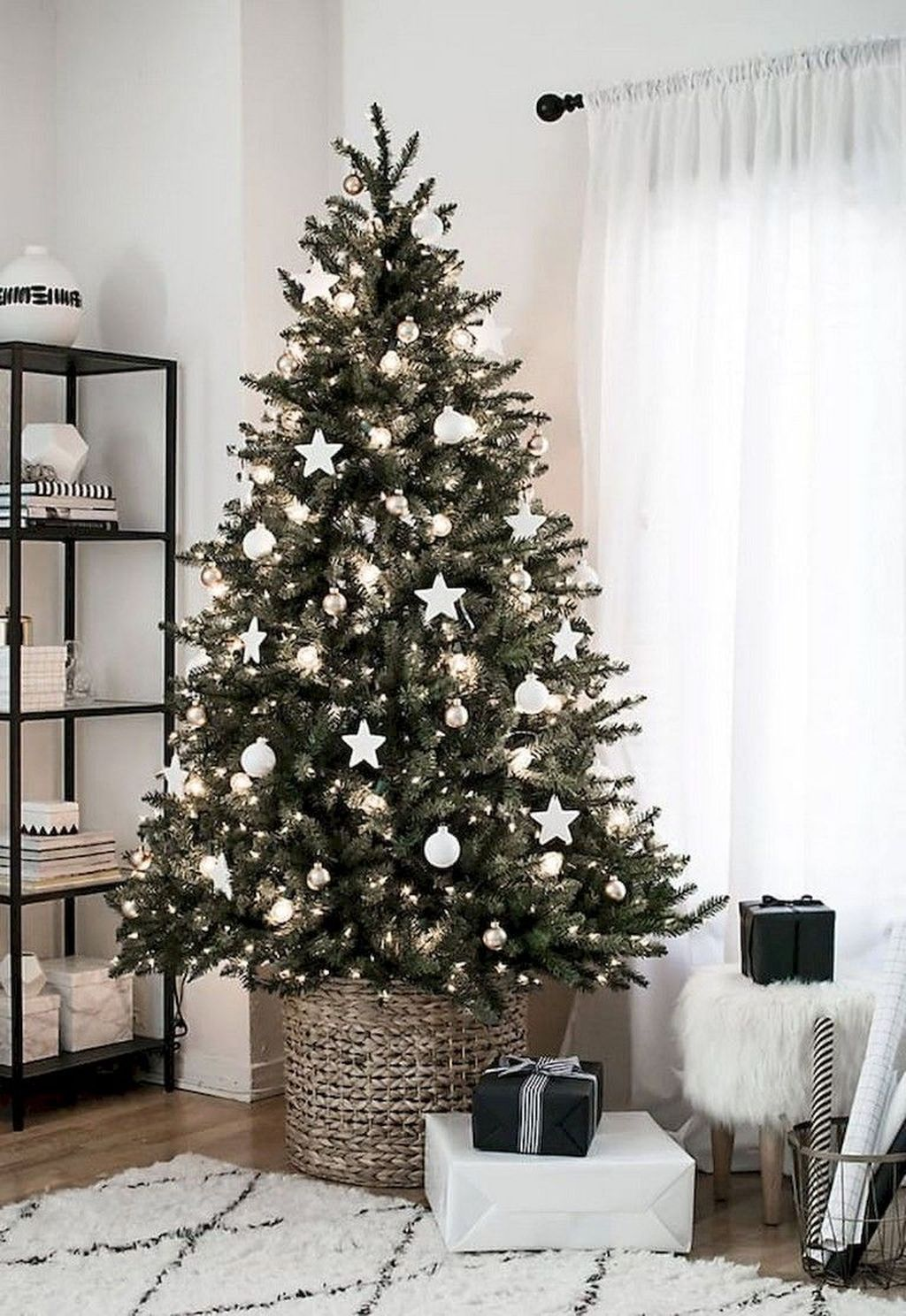 Popular Christmas Theme Apartment Decorations 24