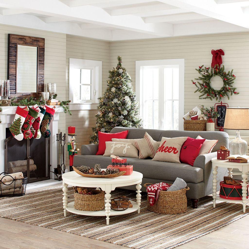 Popular Christmas Theme Coffee Table Decoration Ideas 09