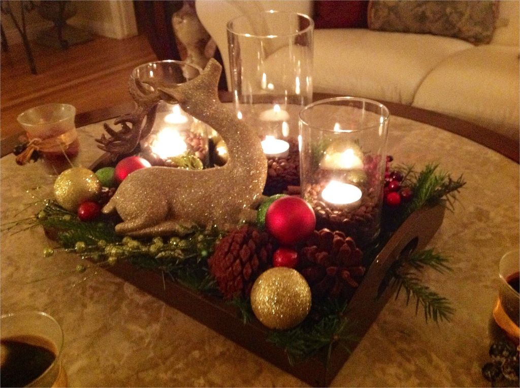 Popular Christmas Theme Coffee Table Decoration Ideas 17