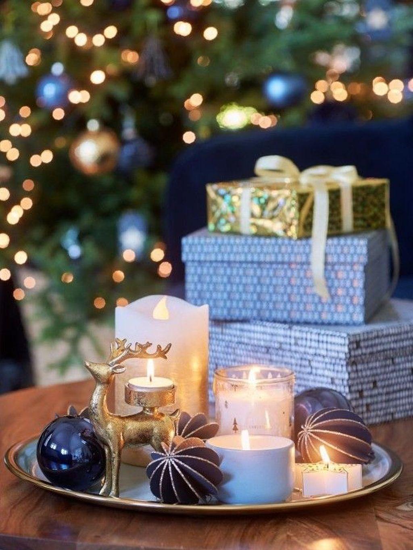 Popular Christmas Theme Coffee Table Decoration Ideas 32
