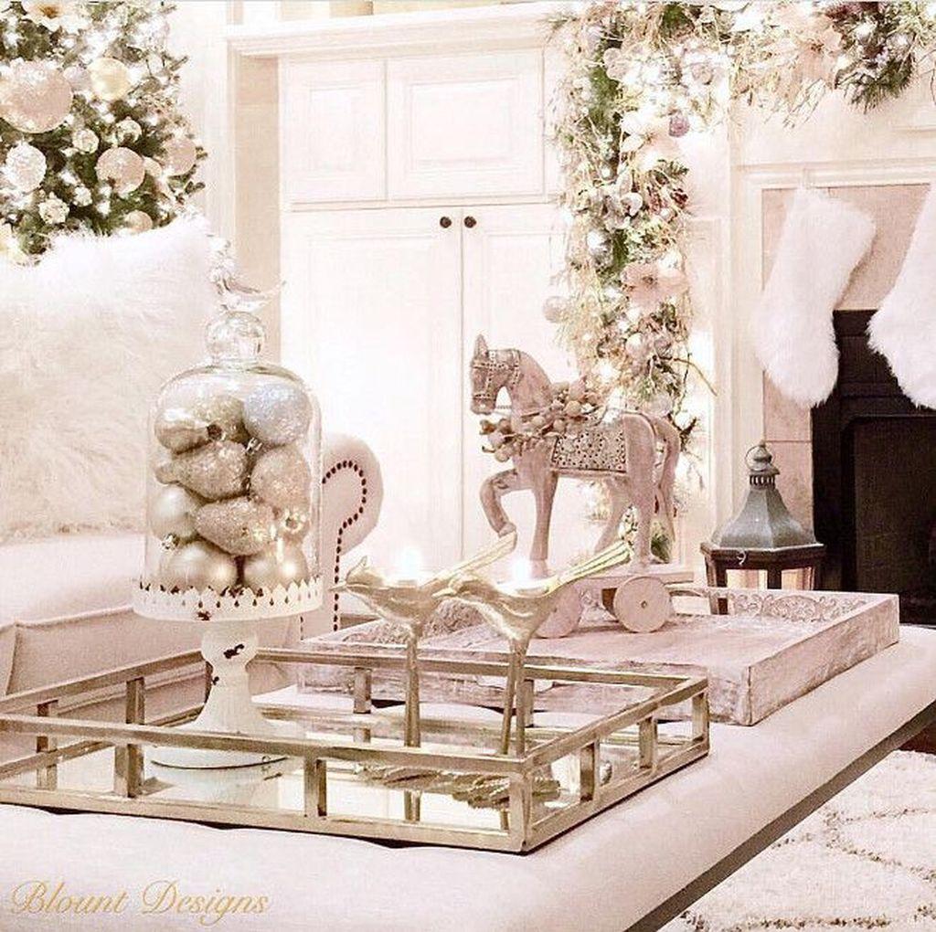 Popular Christmas Theme Coffee Table Decoration Ideas 38