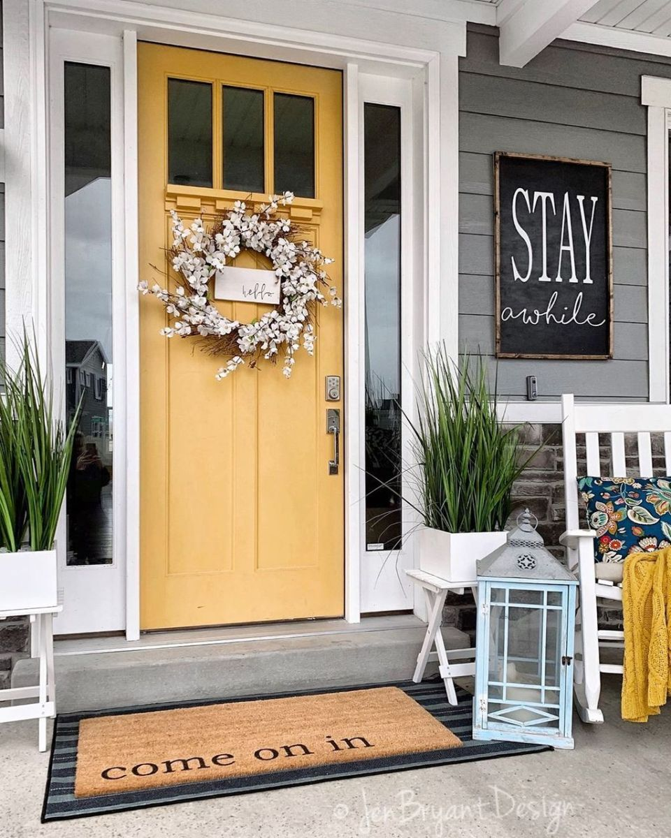 Popular Rustic Winter Porch Decoration Ideas 10