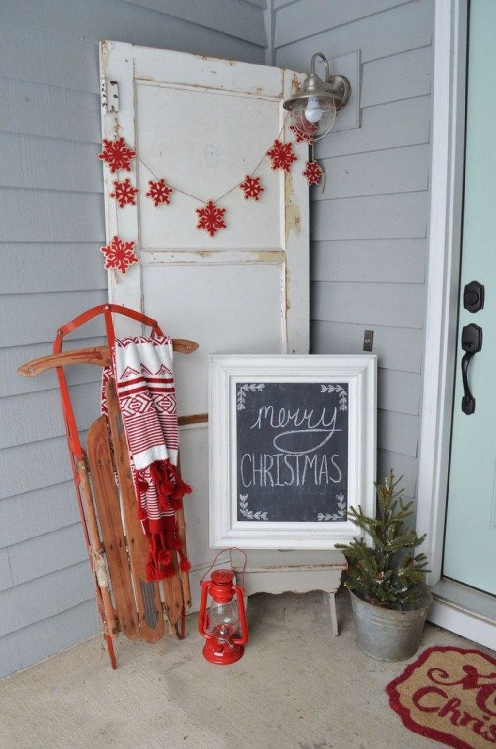 Popular Rustic Winter Porch Decoration Ideas 23