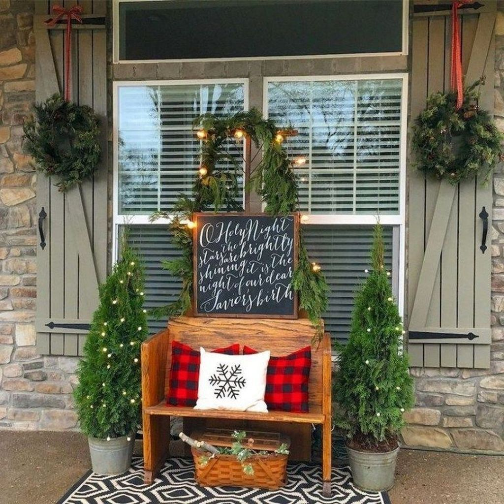 Popular Rustic Winter Porch Decoration Ideas 24