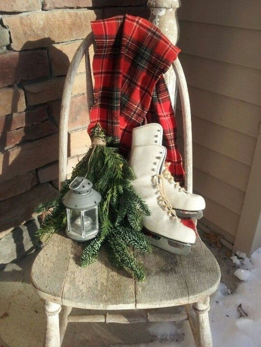 Popular Rustic Winter Porch Decoration Ideas 41