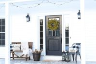 Popular Rustic Winter Porch Decoration Ideas 46
