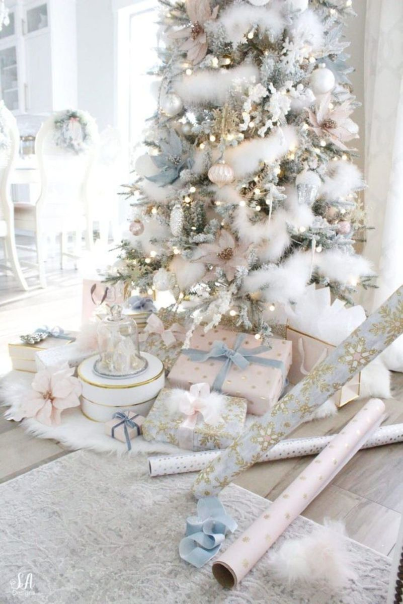 Stunning White Christmas Tree Ideas To Decorate Your Interior 31