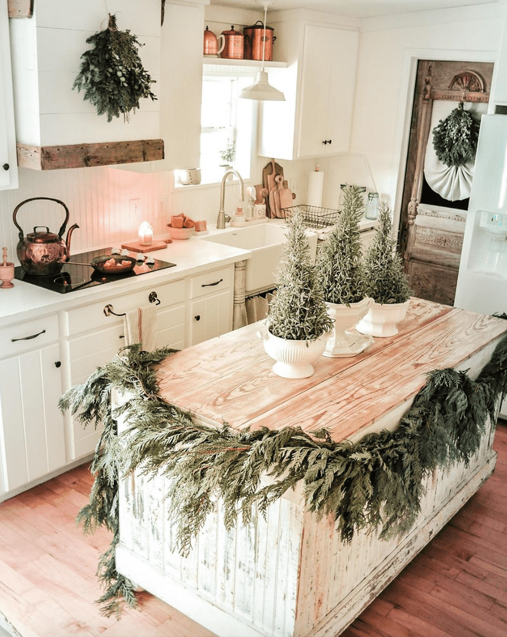 Stunning Winter Theme Kitchen Decorating Ideas 03
