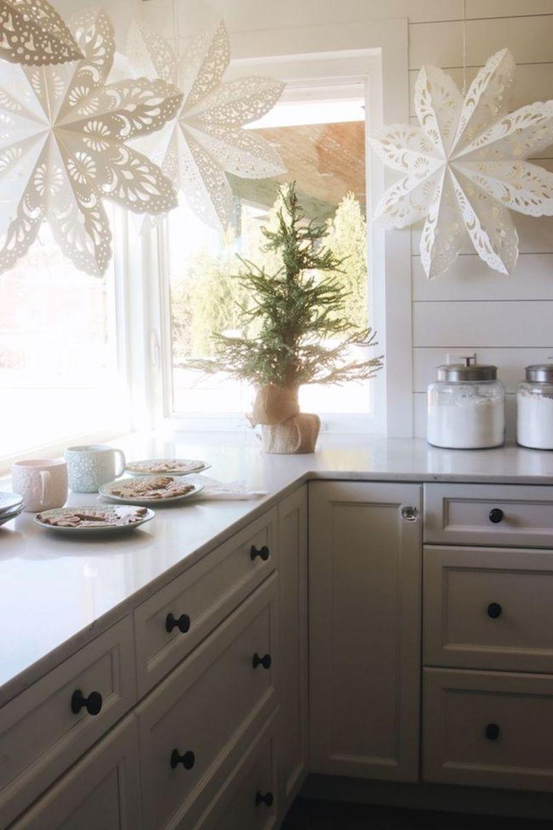 Stunning Winter Theme Kitchen Decorating Ideas 12