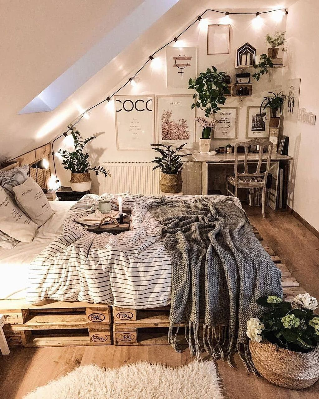Fascinating Apartment Bedroom Decor Ideas 33