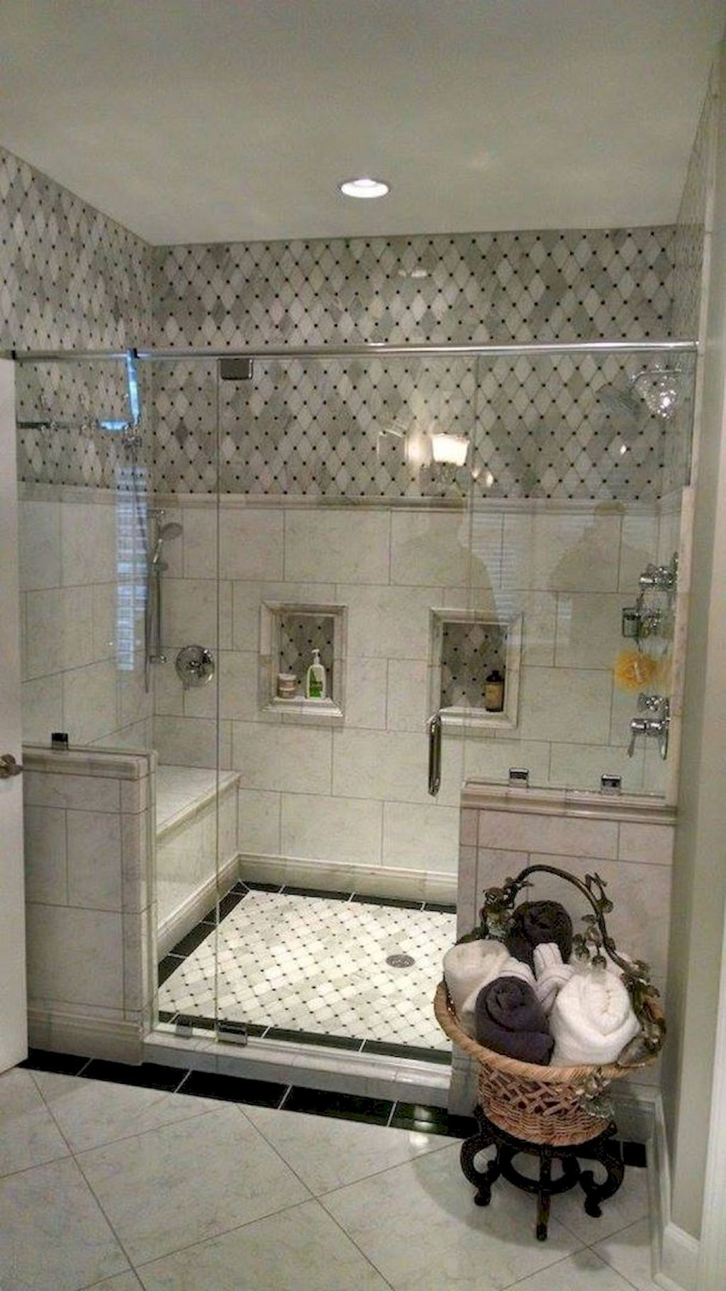 Inspiring Bathroom Tile Showers Design Ideas 02