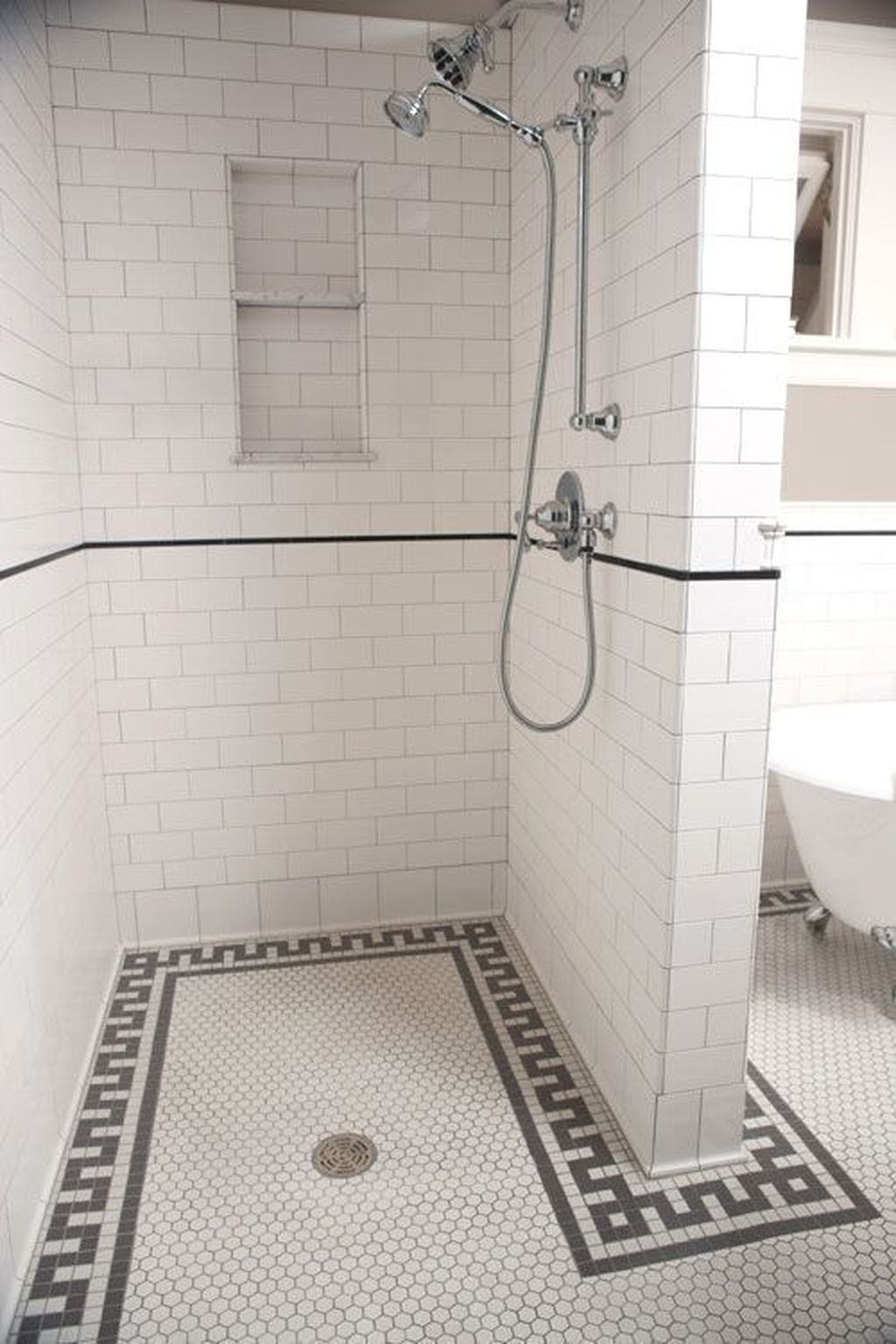 Inspiring Bathroom Tile Showers Design Ideas 12