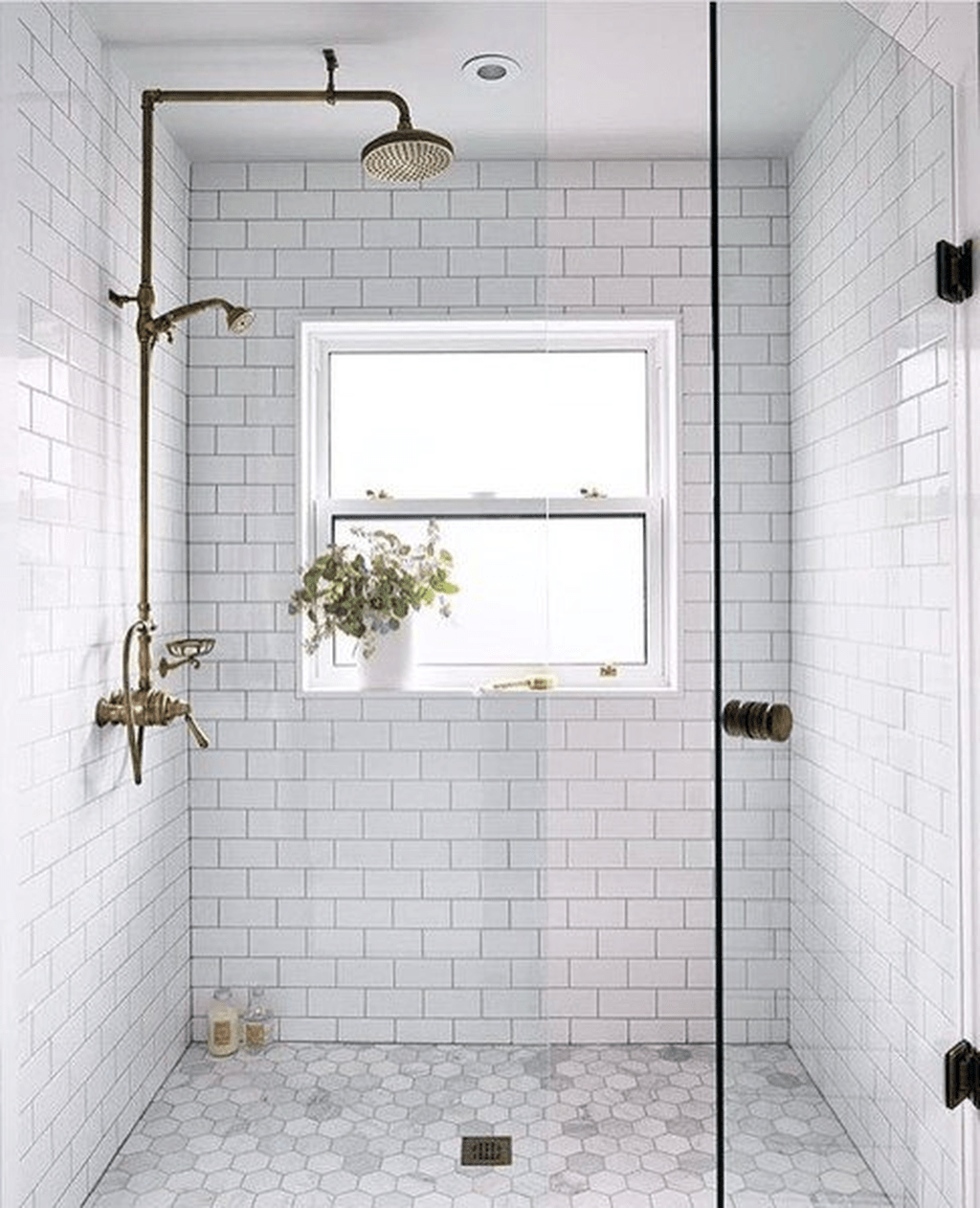 Inspiring Bathroom Tile Showers Design Ideas 16