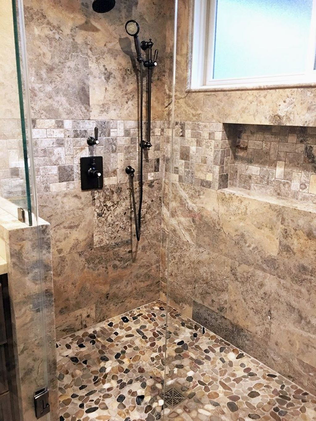 Inspiring Bathroom Tile Showers Design Ideas 26