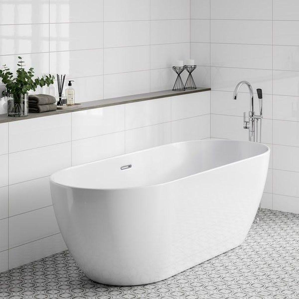 Inspiring Bathroom Tile Showers Design Ideas 28