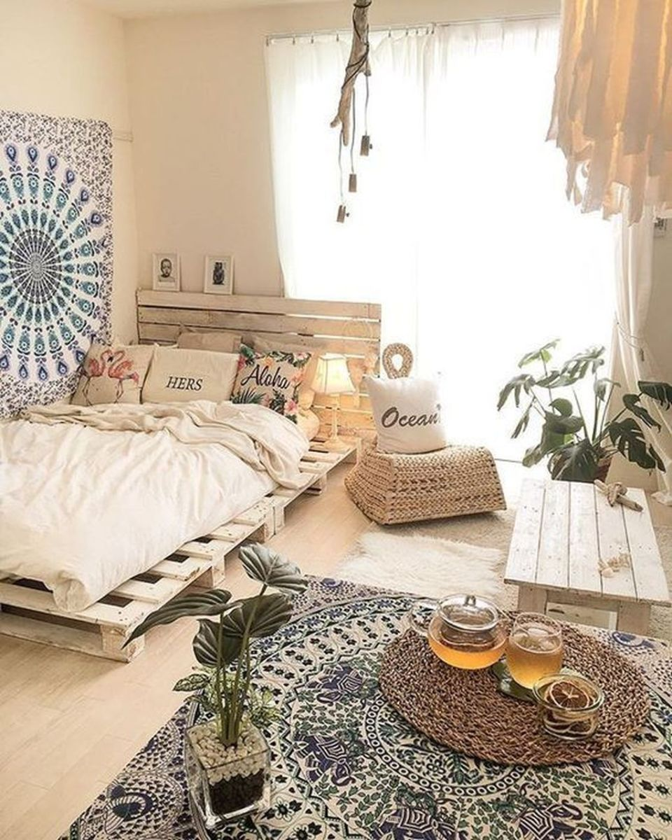Lovely Bedroom Decor With Plant Ideas 03