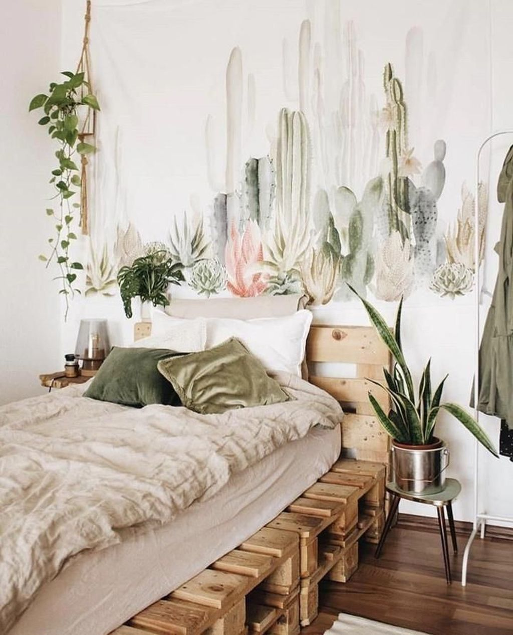 Lovely Bedroom Decor With Plant Ideas 13