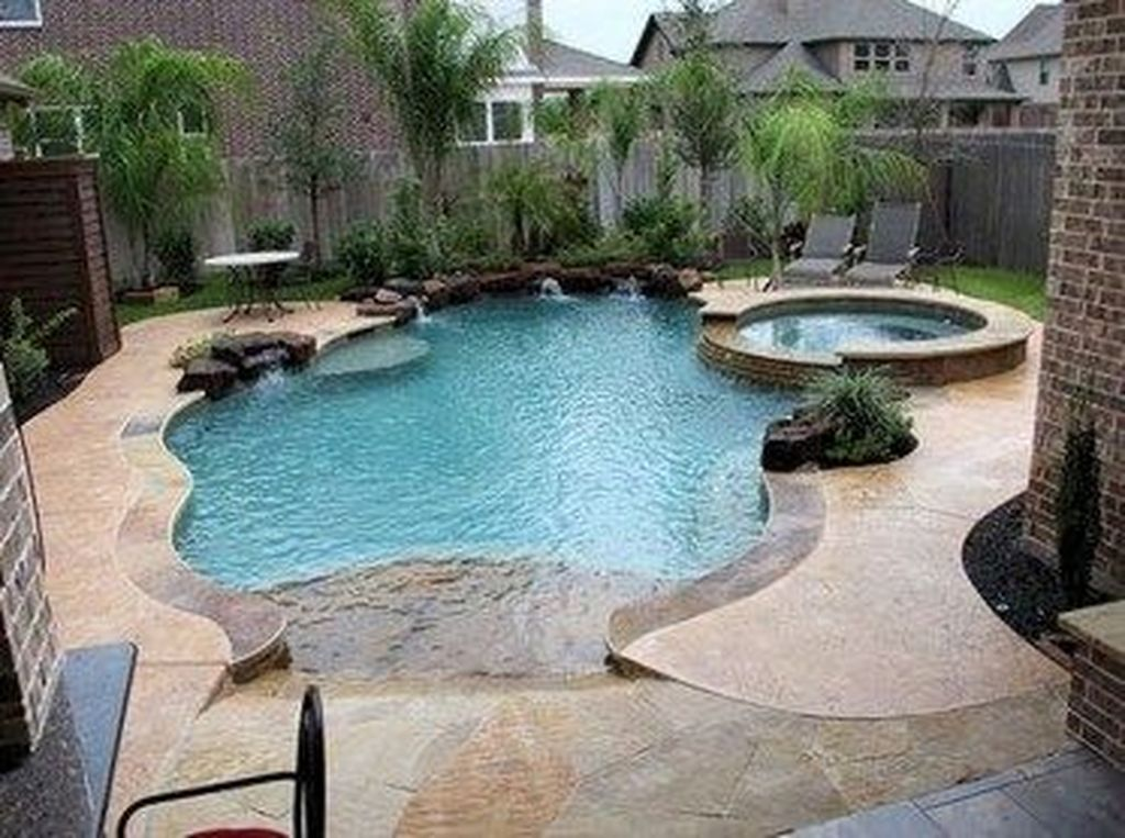 Lovely Swimming Pool Garden Ideas To Get Natural Accent 10