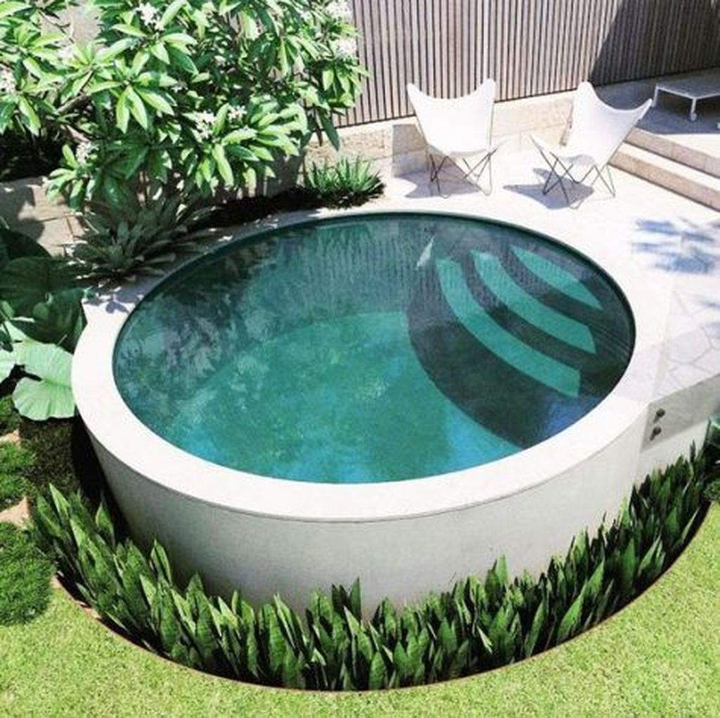 Lovely Swimming Pool Garden Ideas To Get Natural Accent 16