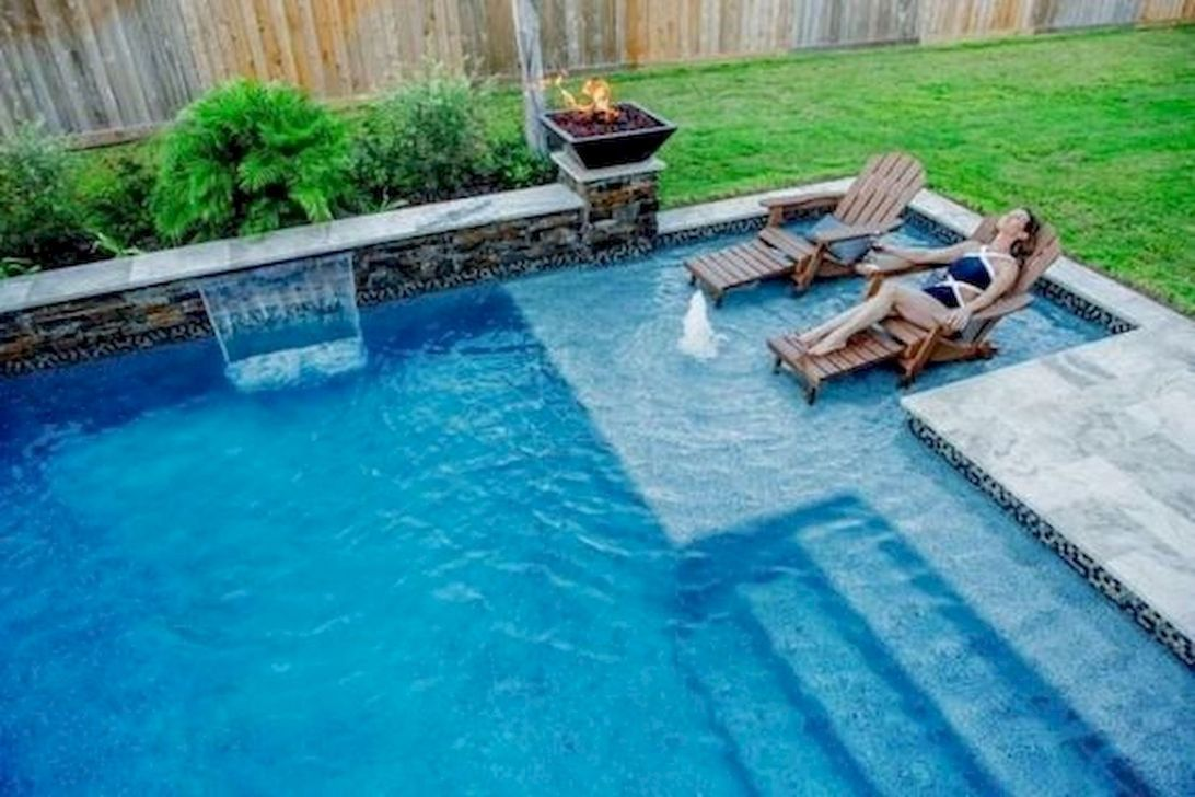 Lovely Swimming Pool Garden Ideas To Get Natural Accent 25