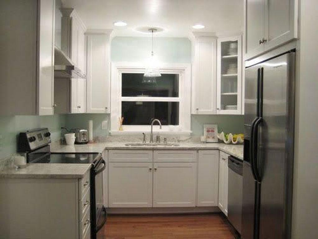 Popular U Shaped Kitchen Design Ideas 22