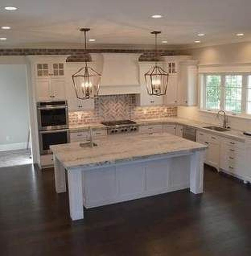 Popular Wooden Cabinets Design Ideas For Your Kitchen Decor 19
