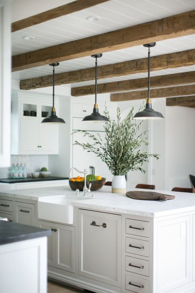 Wonderful Kitchen Lighting Ideas To Make It Look More Beautiful 21