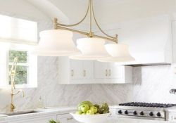 Wonderful Kitchen Lighting Ideas To Make It Look More Beautiful 32