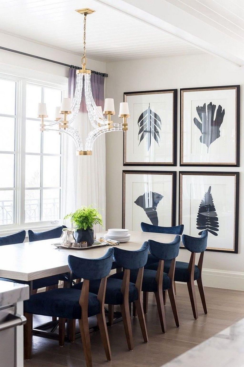 Nice Transitional Dining Room Design Ideas 25