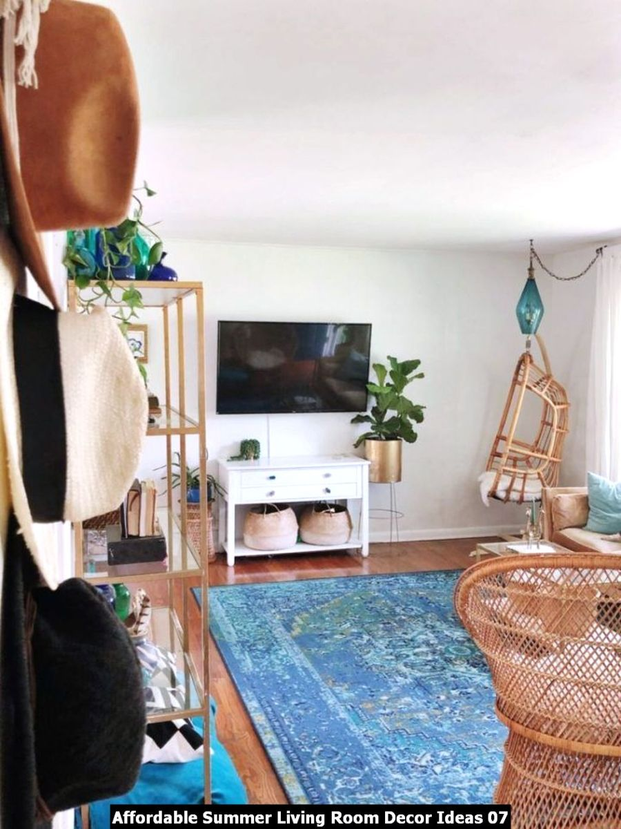 Affordable Summer Living Room Decor Ideas 07