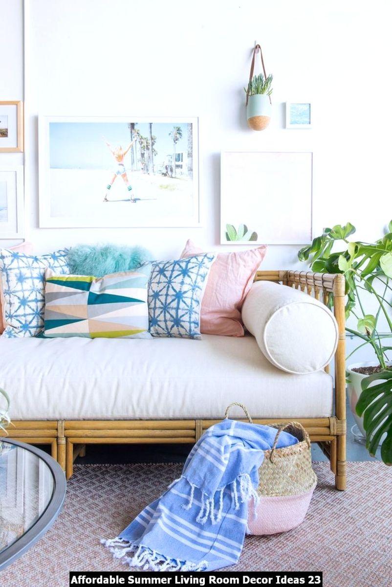 Affordable Summer Living Room Decor Ideas 23