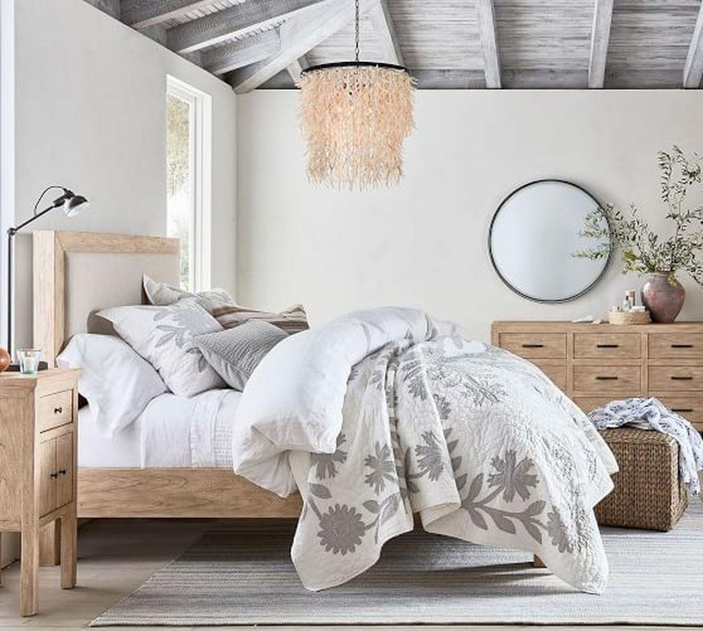 Amazing Vintage Wooden Bed Frame Design Ideas 22