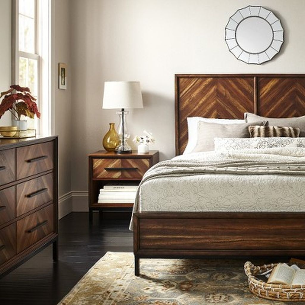 Amazing Vintage Wooden Bed Frame Design Ideas 25