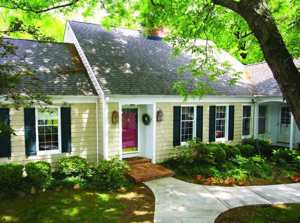 Awesome Yellow Brick House Exterior Design Ideas 14