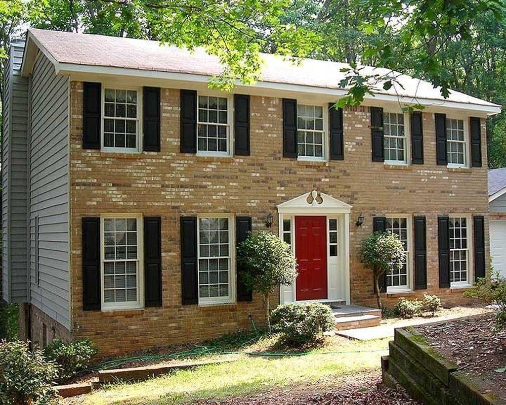 Awesome Yellow Brick House Exterior Design Ideas 19