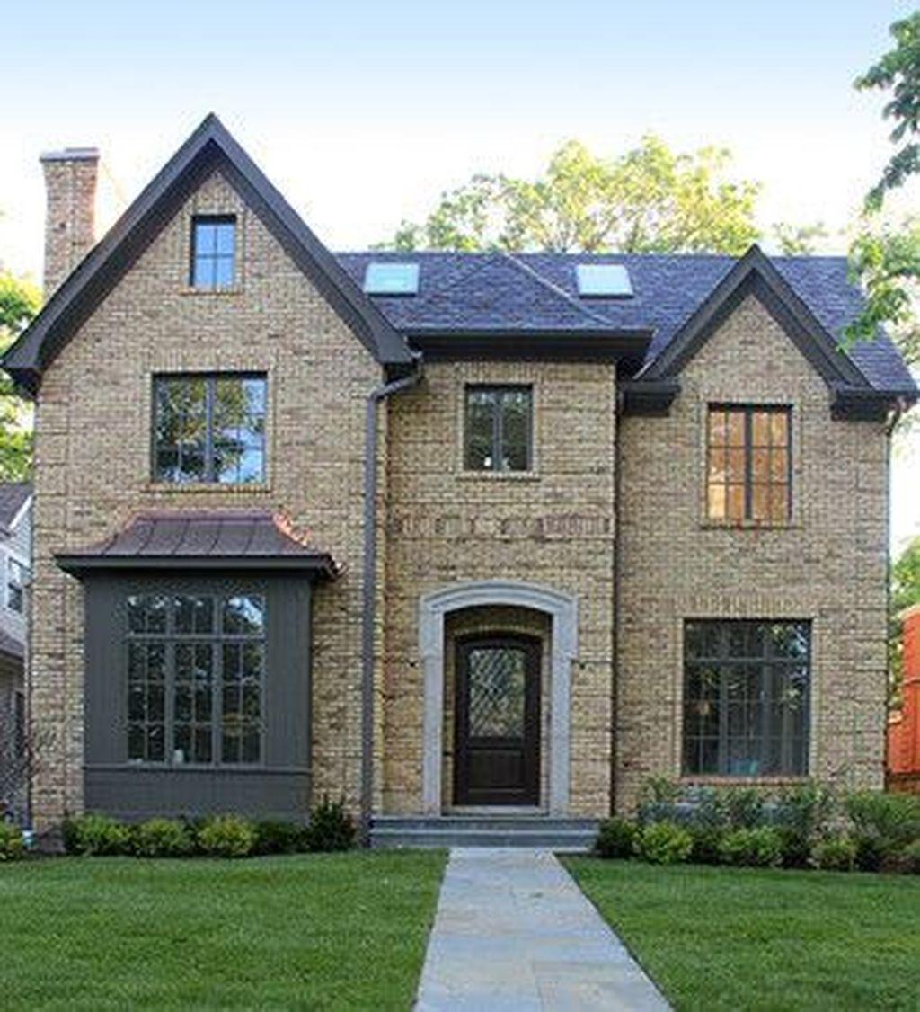Awesome Yellow Brick House Exterior Design Ideas 20