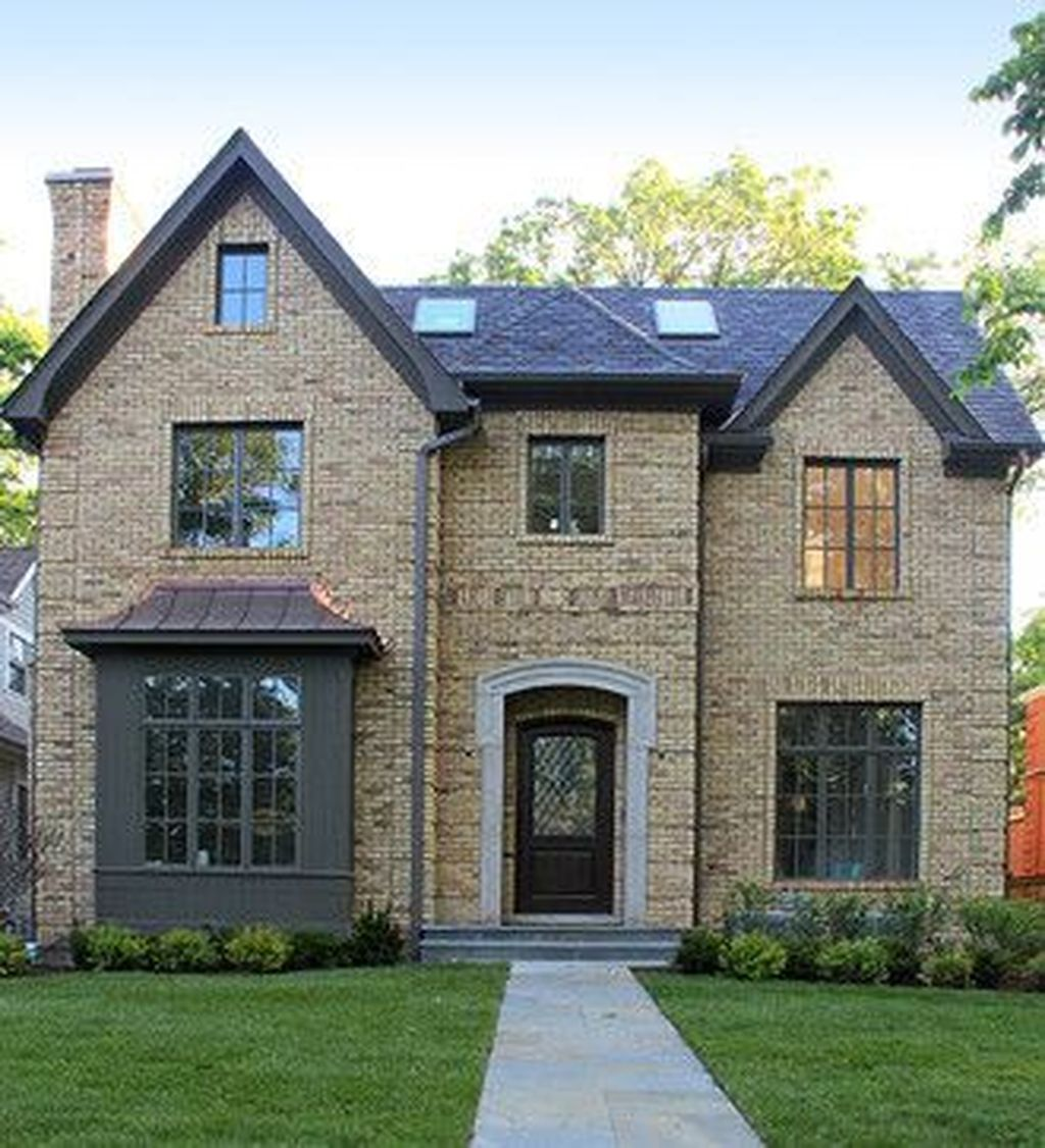 Awesome Yellow Brick House Exterior Design Ideas 20
