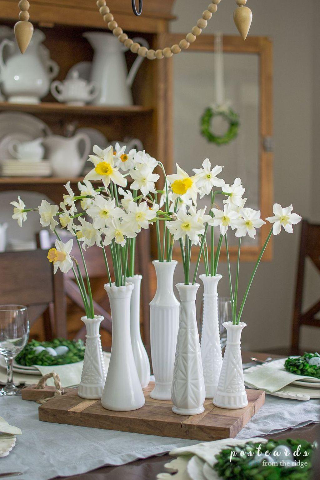 Beautiful Farmhouse Spring Table Decor Ideas 18
