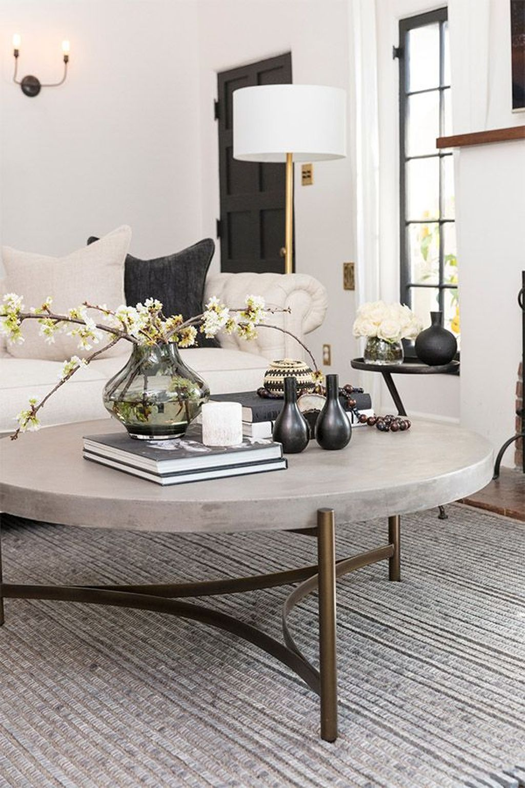 Beautiful Living Room Coffee Table Decor Ideas 22