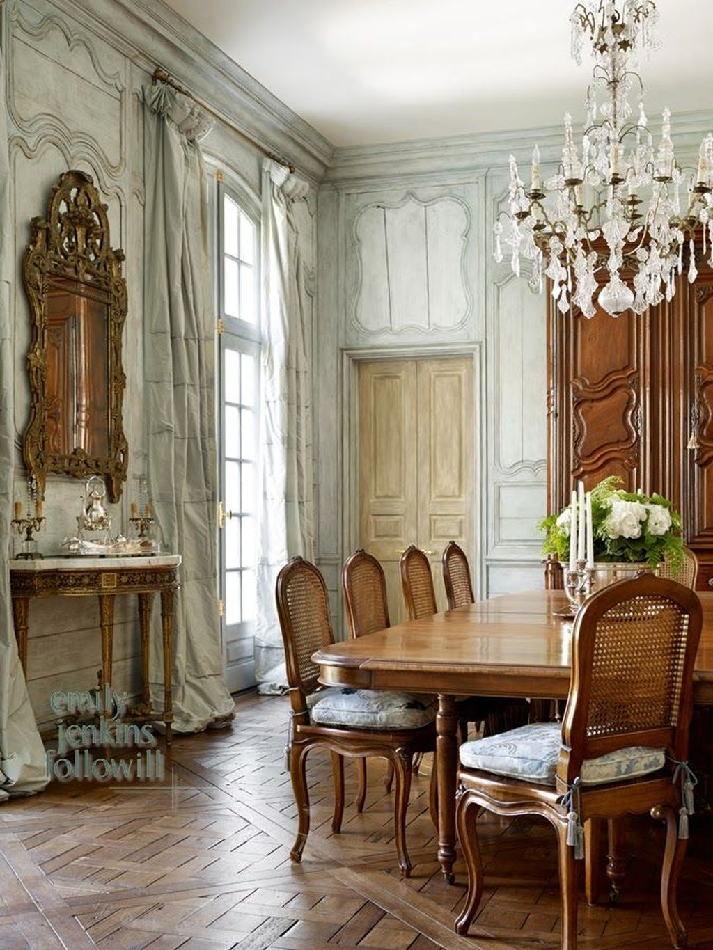 Brilliant French Dining Room Decor Ideas 26
