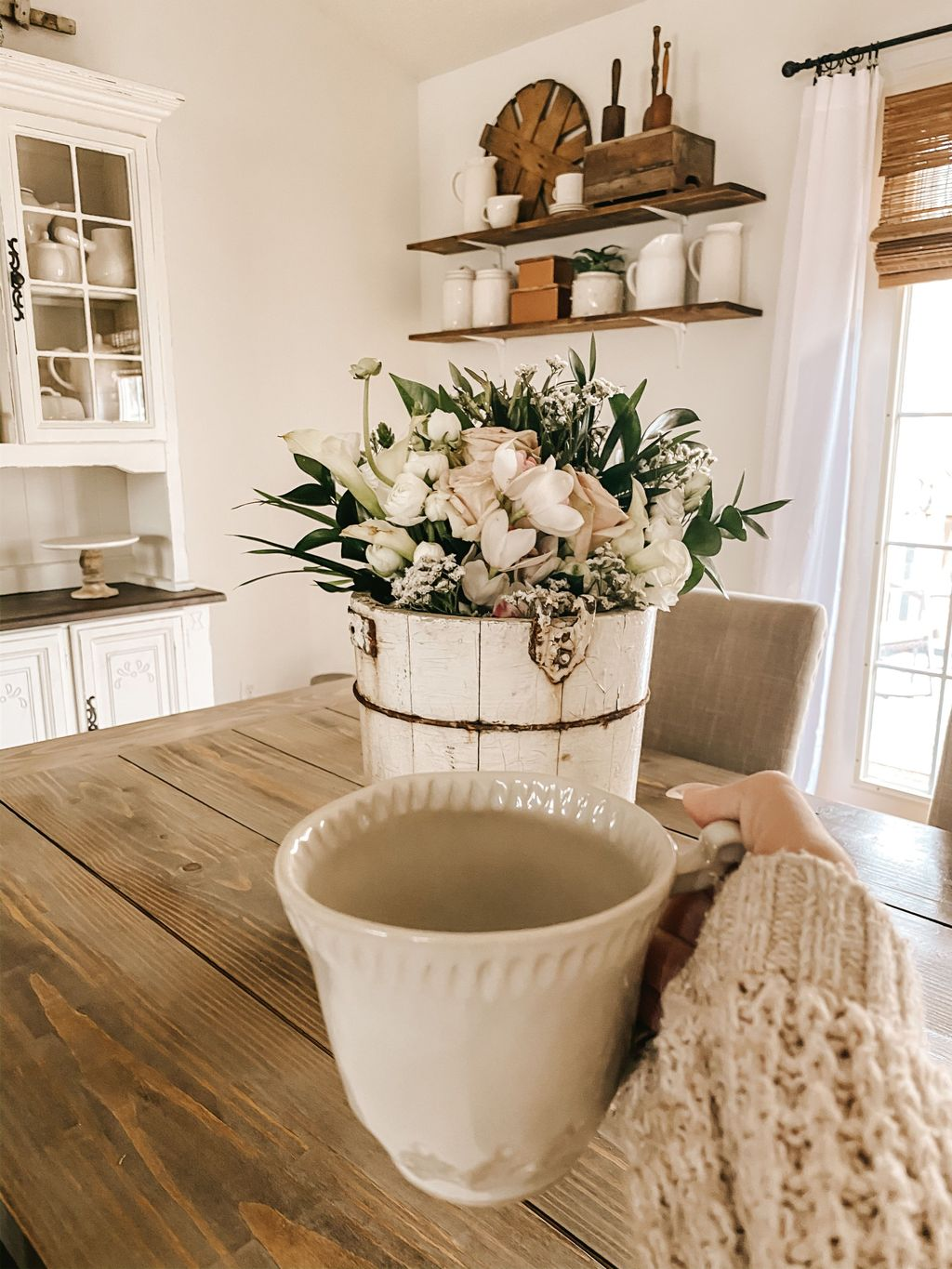 Fascinating Spring Farmhouse Decor Ideas You Should Copy 16