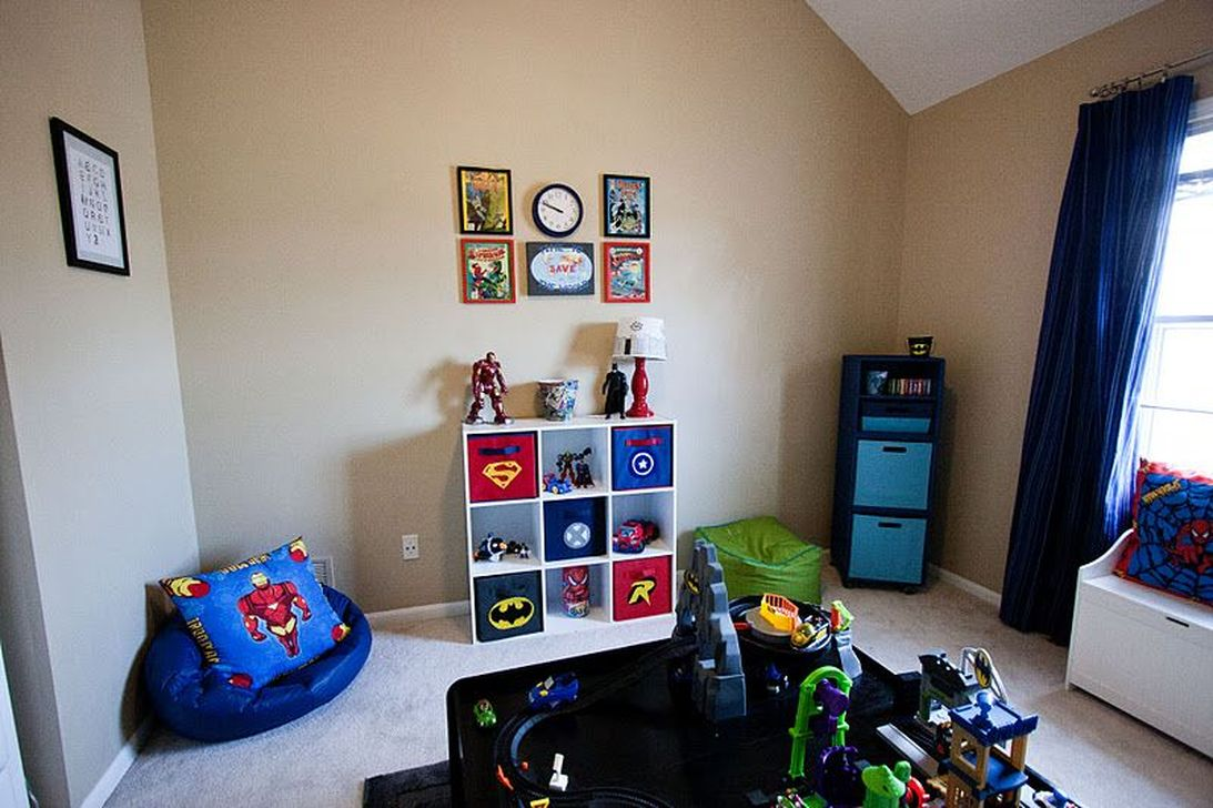 Fascinating Superhero Theme Bedroom Decor Ideas 22