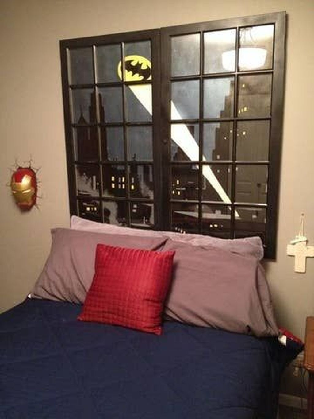 Fascinating Superhero Theme Bedroom Decor Ideas 29