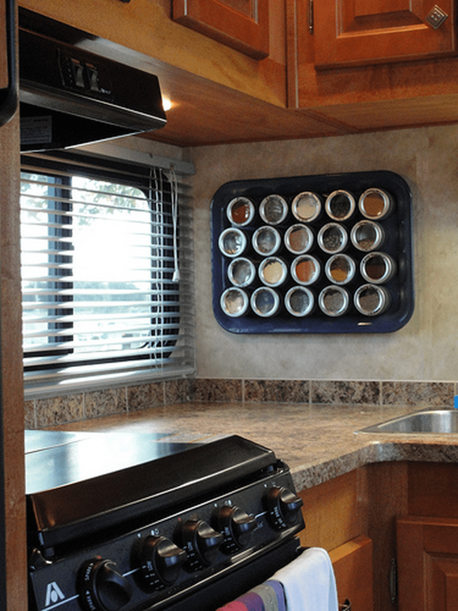 Gorgeous RV Camper Storage Ideas For Spring And Summer Holiday 19