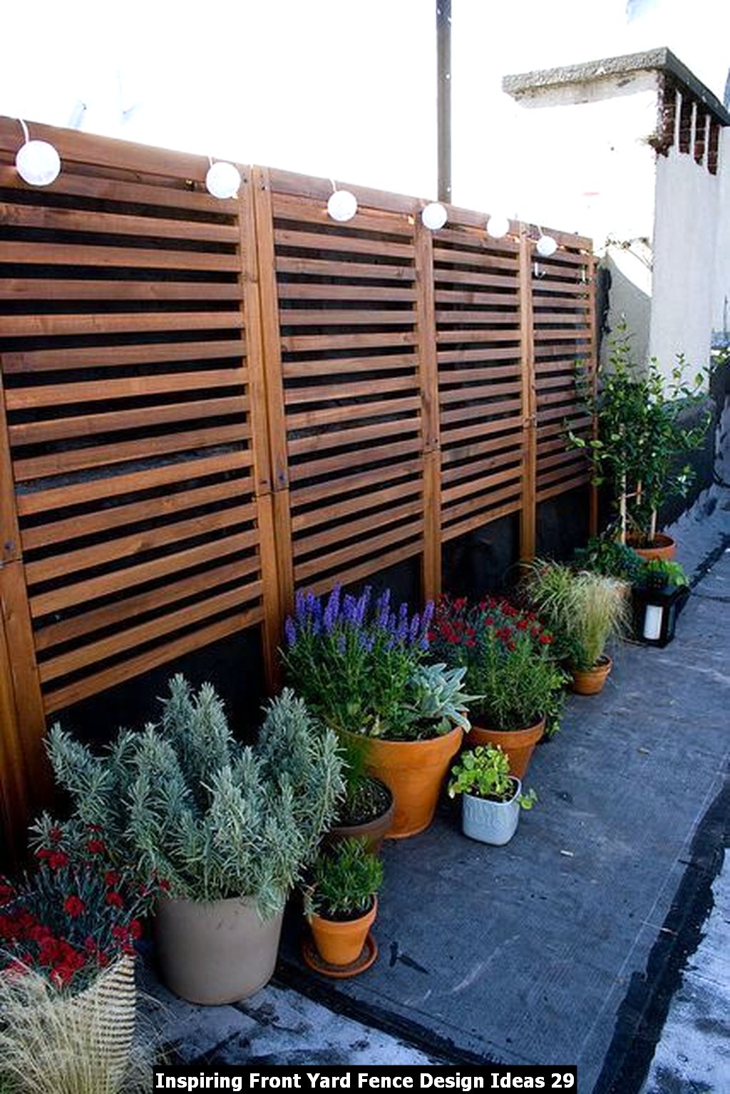 Inspiring Front Yard Fence Design Ideas 29