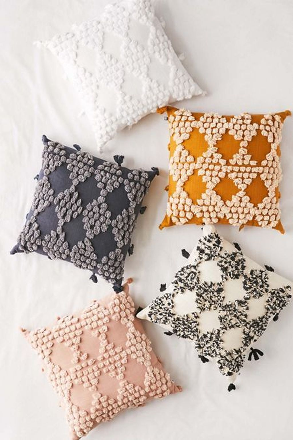 Lovely Cute Pillows Designs Ideas 04