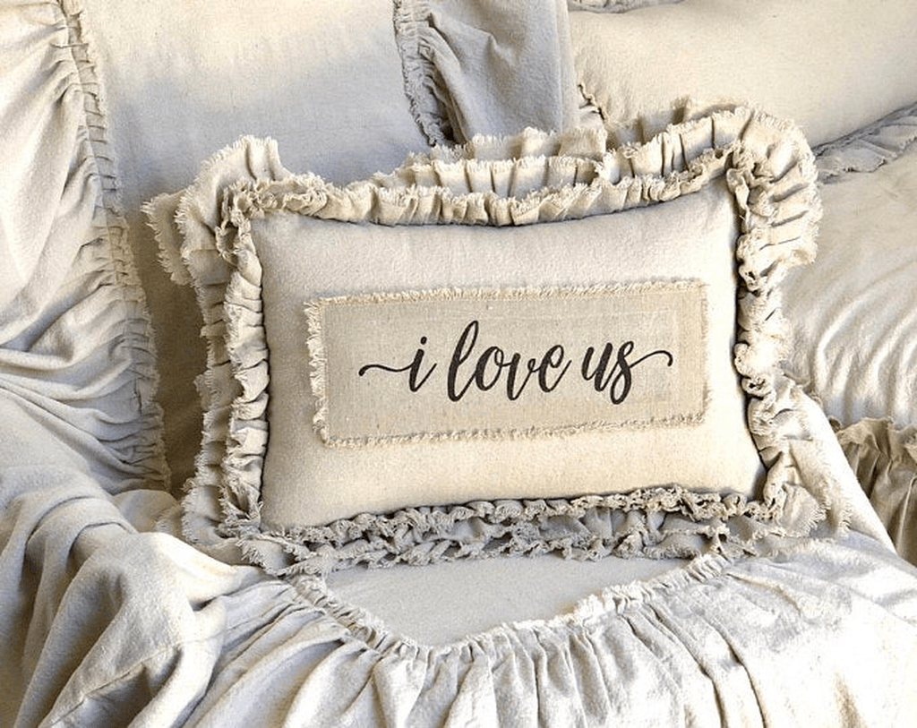 Lovely Cute Pillows Designs Ideas 19