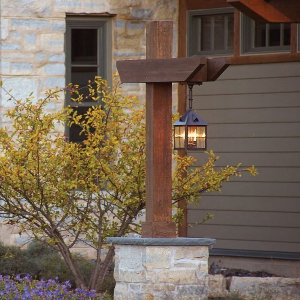 Stunning Outdoor Lamp Posts For Front Yards Decor 04
