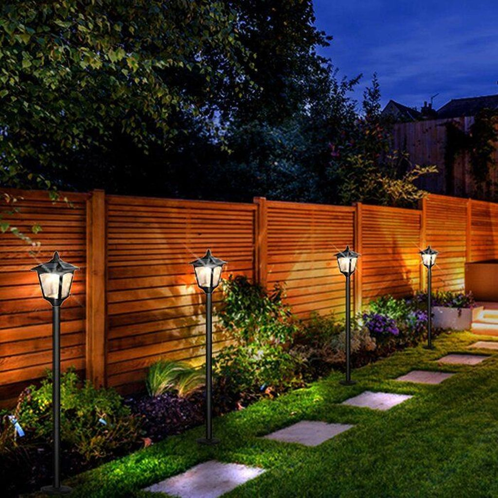 Stunning Outdoor Lamp Posts For Front Yards Decor 07