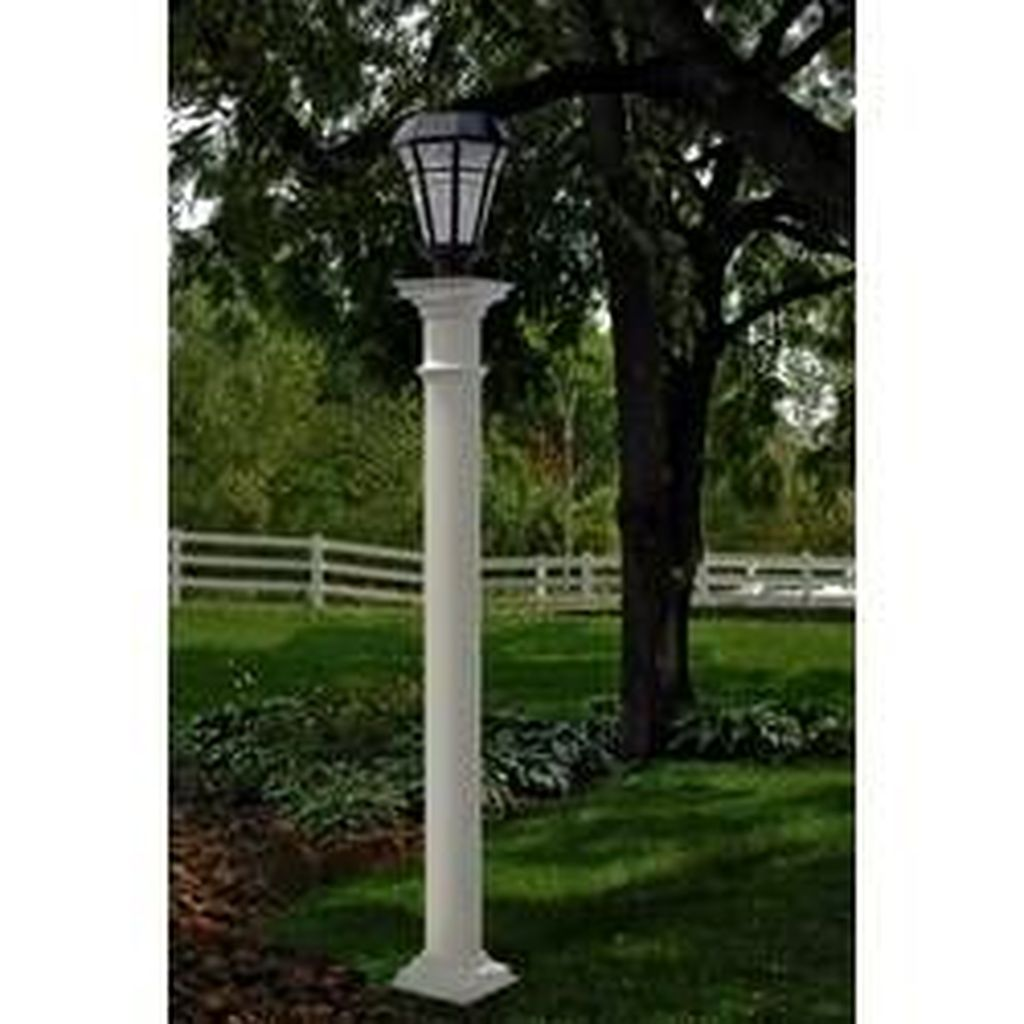 Stunning Outdoor Lamp Posts For Front Yards Decor 28